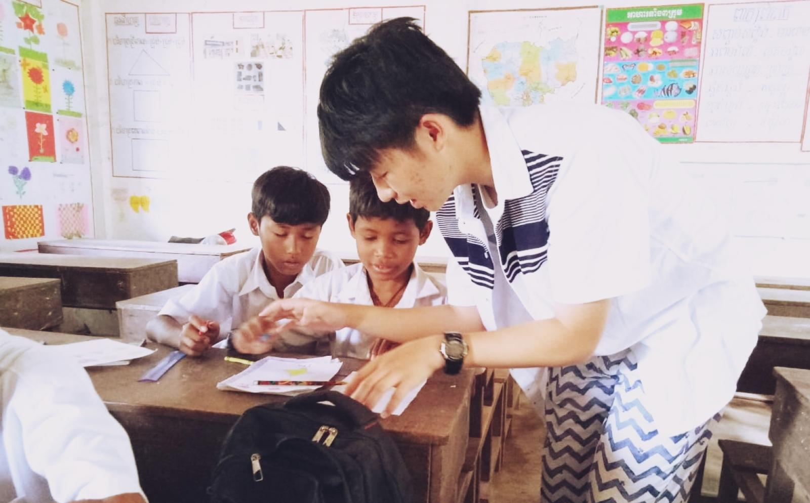 カンボジアの子供たちへの基礎教育をサポートする高校生ボランティア秋葉秀尚さん